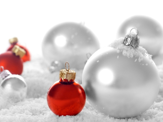 Christmas Decorations wallpaper 640x480