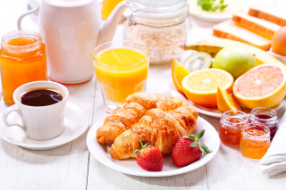 Breakfast with croissants and fruit - Obrázkek zdarma pro 1366x768