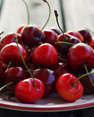 Cherry Plate Picture for 240x320
