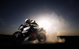 Free Ktm 990 Super Duke Picture for Nokia Asha 200