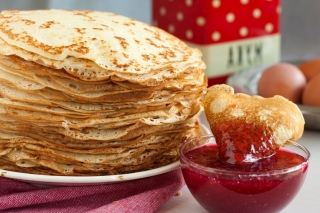 Russian pancakes with jam Picture for Android, iPhone and iPad