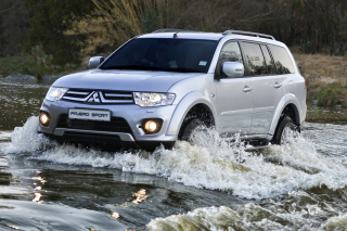 Mitsubishi Montero Sport Background for Android, iPhone and iPad