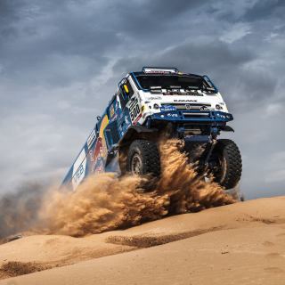 Free Rally Dakar Kamaz Truck Picture for Nokia 6100