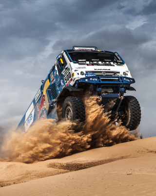 Free Rally Dakar Kamaz Truck Picture for Nokia Asha 305