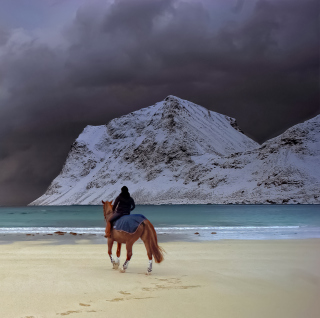 Horse Riding On Beach sfondi gratuiti per iPad mini