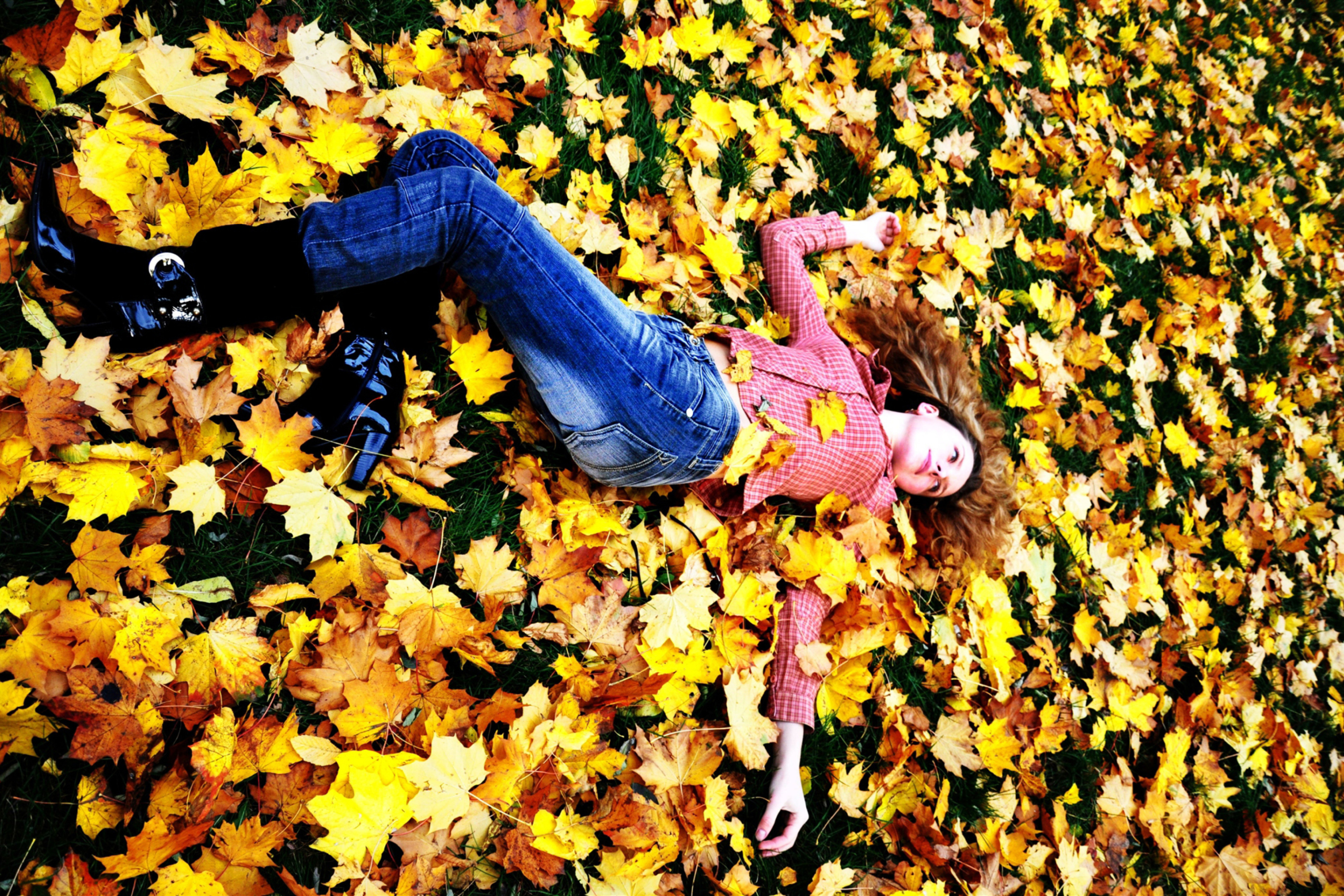 Screenshot №1 pro téma Autumn Girl 2880x1920