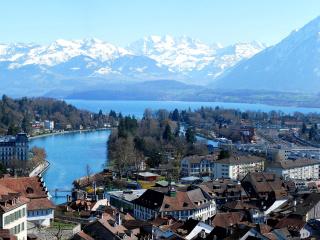 https://f.vividscreen.info/soft/b3417f7d93d262829679c56058b8893f/Bern-Switzerland-320x240.jpg