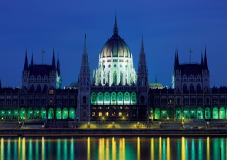 Parliament Building Budapest Hungary Picture for Android, iPhone and iPad