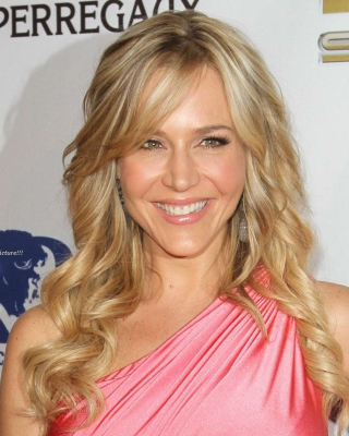 Julie Benz sfondi gratuiti per iPhone 4S