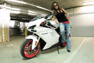 Free Ducati Bike Model Picture for Android, iPhone and iPad