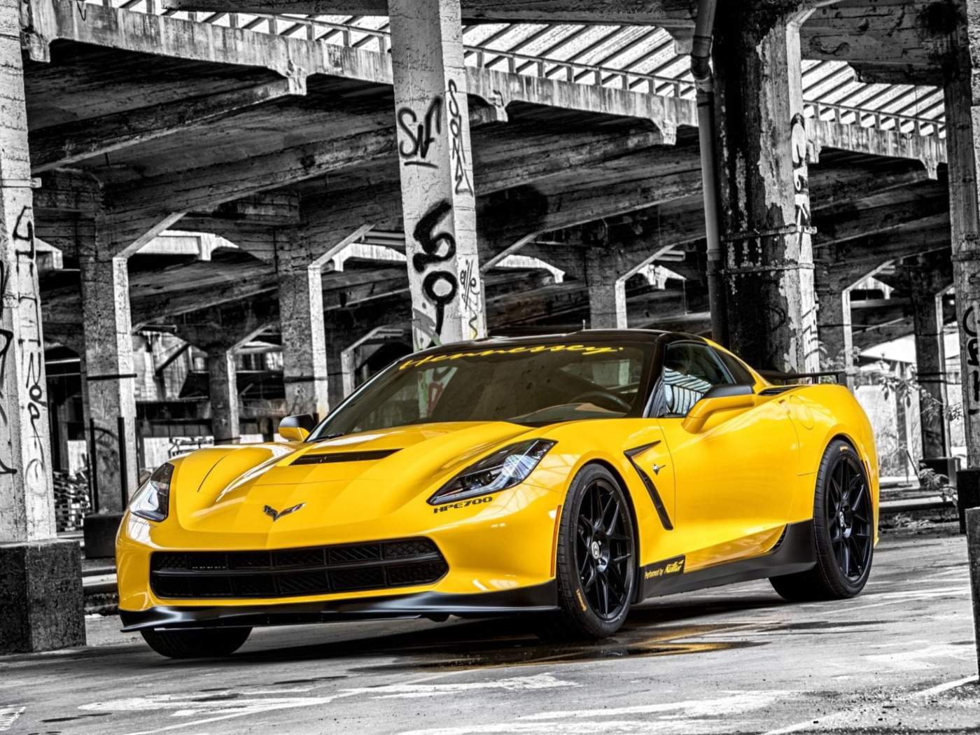 Screenshot №1 pro téma Chevrolet Corvette Stingray 1400x1050