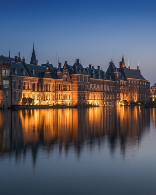Binnenhof in Hague - Fondos de pantalla gratis para iPhone 4S