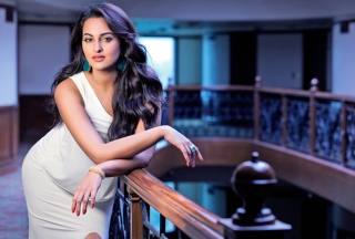 Actress Sonakshi Sinha sfondi gratuiti per cellulari Android, iPhone, iPad e desktop
