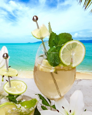 Light summer cocktail Background for 240x320