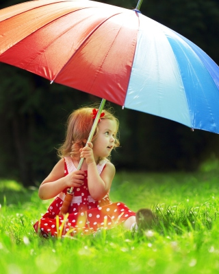 Little Girl With Big Rainbow Umbrella - Fondos de pantalla gratis para 640x960