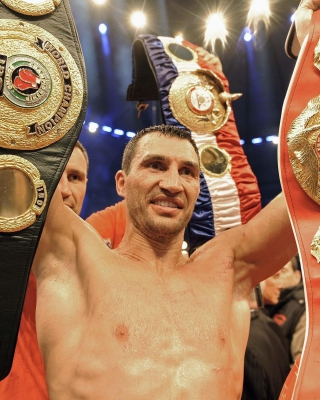 Wladimir Klitschko Boxer Picture for Nokia C-5 5MP