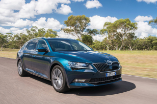 Free Skoda Superb 2016 Picture for Android, iPhone and iPad