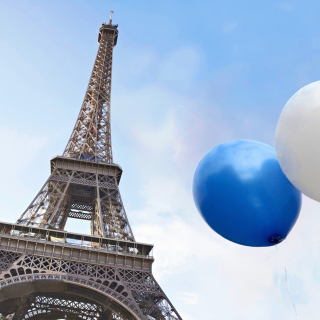Free Eiffel Tower on Bastille Day Picture for iPad 3