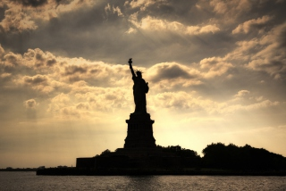 Statue Of Liberty New York America Wallpaper for Android, iPhone and iPad