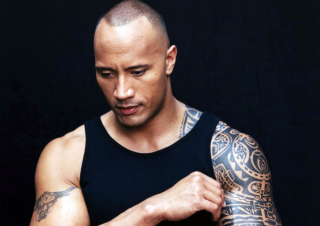 Free Dwayne Johnson Picture for Samsung Galaxy S5