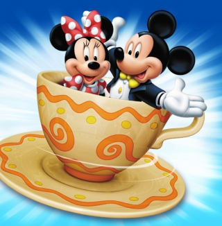 Mickey And Minnie Mouse In Cup - Obrázkek zdarma pro iPad Air