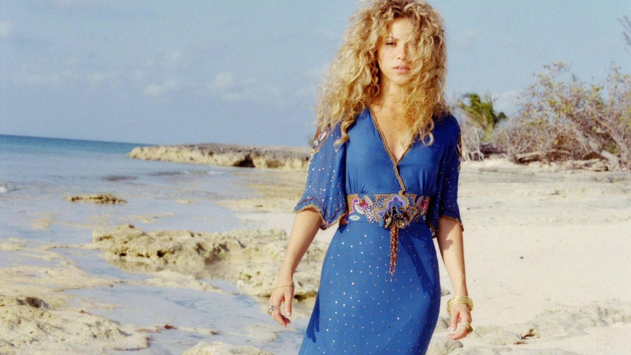 Screenshot №1 pro téma Shakira On Beach 1280x720