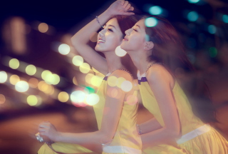 Happy Asian Twins - Fondos de pantalla gratis para Samsung Galaxy Ace 3