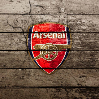 Kostenloses Wooden Arsenal Badge Wallpaper für iPad mini 2