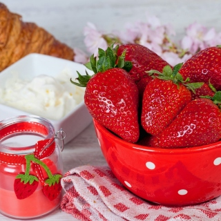 Strawberry and Jam - Fondos de pantalla gratis para 1024x1024
