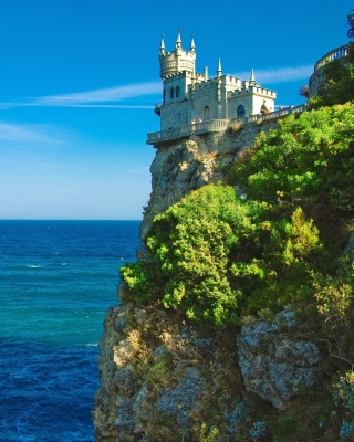Swallows Nest Castle near Yalta Crimea - Fondos de pantalla gratis para iPhone 4S