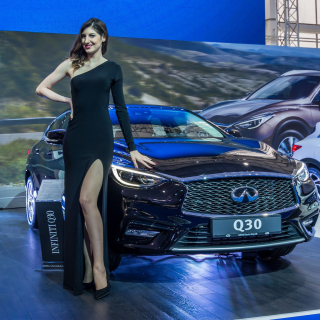 Infiniti Q30 Frankfurt Auto Show Background for LG KP105