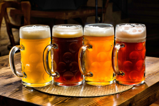 Kostenloses One Liter Beer Mugs Wallpaper für Android 540x960