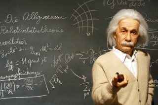 Free Einstein and Formula Picture for 1366x768