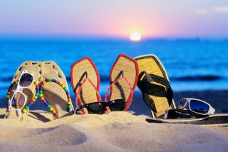 Sandals And Sunglasses sfondi gratuiti per cellulari Android, iPhone, iPad e desktop