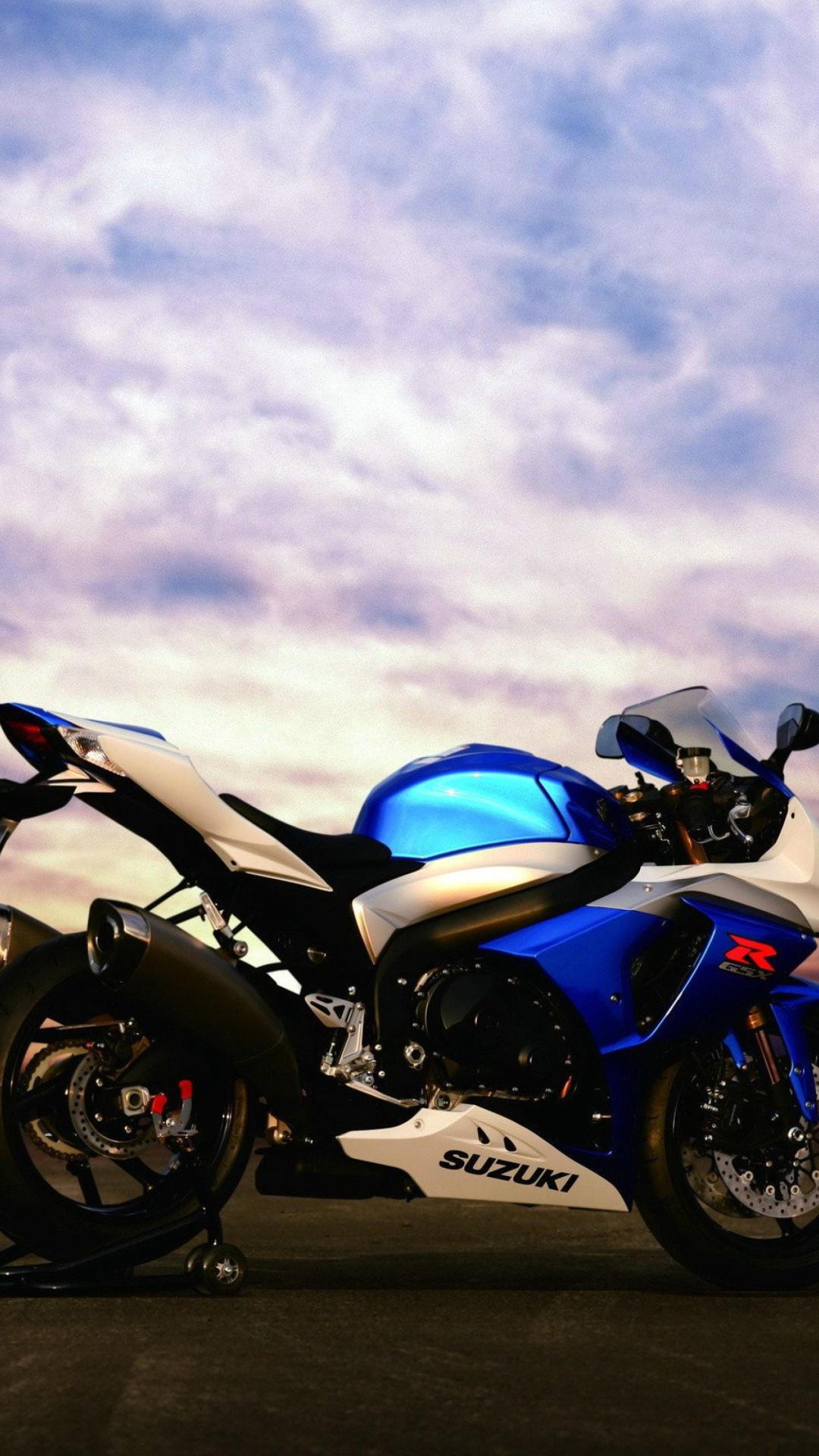 синий мотоцикл suzuki gsx r1000 загрузить