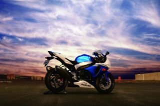 Free Suzuki GSX R 1000 Picture for Android, iPhone and iPad