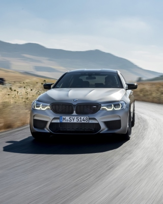 Free BMW M5 Picture for 480x800