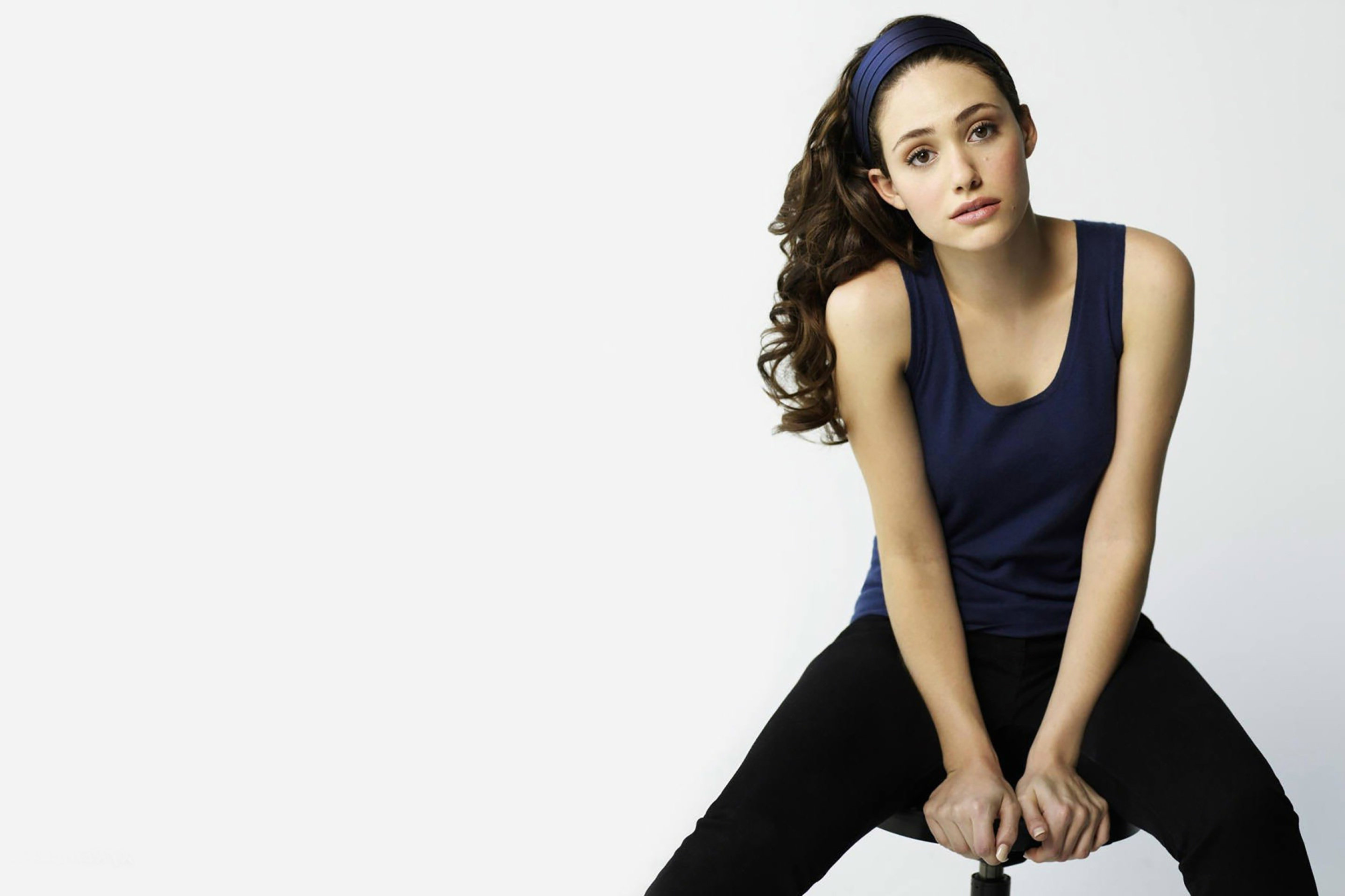 Screenshot №1 pro téma Emmy Rossum in Sweet Clothes 2880x1920