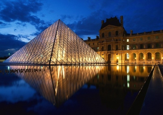 Kostenloses Pyramid at Louvre Museum - Paris Wallpaper für Widescreen Desktop PC 1280x800