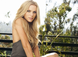 Brooklyn Decker Picture for Android, iPhone and iPad