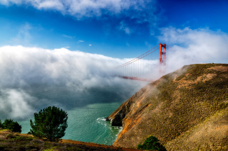 Golden Gate Bridge in Fog Background for Android, iPhone and iPad