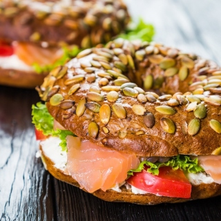 Bagel with Salmon sfondi gratuiti per iPad 3