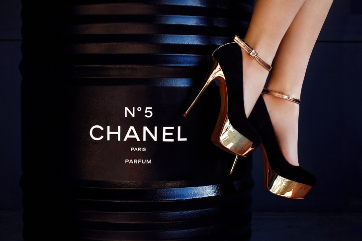 Chanel 5 wallpaper