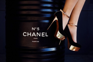 Chanel 5 Wallpaper for Fullscreen Desktop 1600x1200