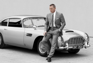 James Bond Grey Suit Picture for Android, iPhone and iPad