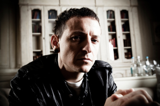 Free Chester Bennington Picture for HTC EVO 4G