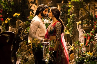 Ranveer Deepika In Ram Leela Background for Android, iPhone and iPad