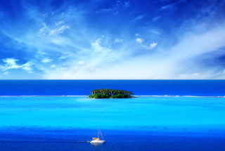 Free Blue Sea & Sky Picture for Android, iPhone and iPad