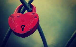 Heart Shaped Lock sfondi gratuiti per cellulari Android, iPhone, iPad e desktop