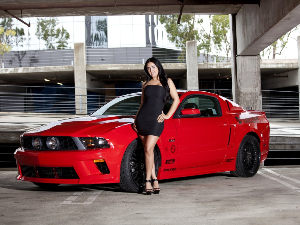 Screenshot №1 pro téma Ford Mustang GT Vortech with Brunette Girl 1024x768